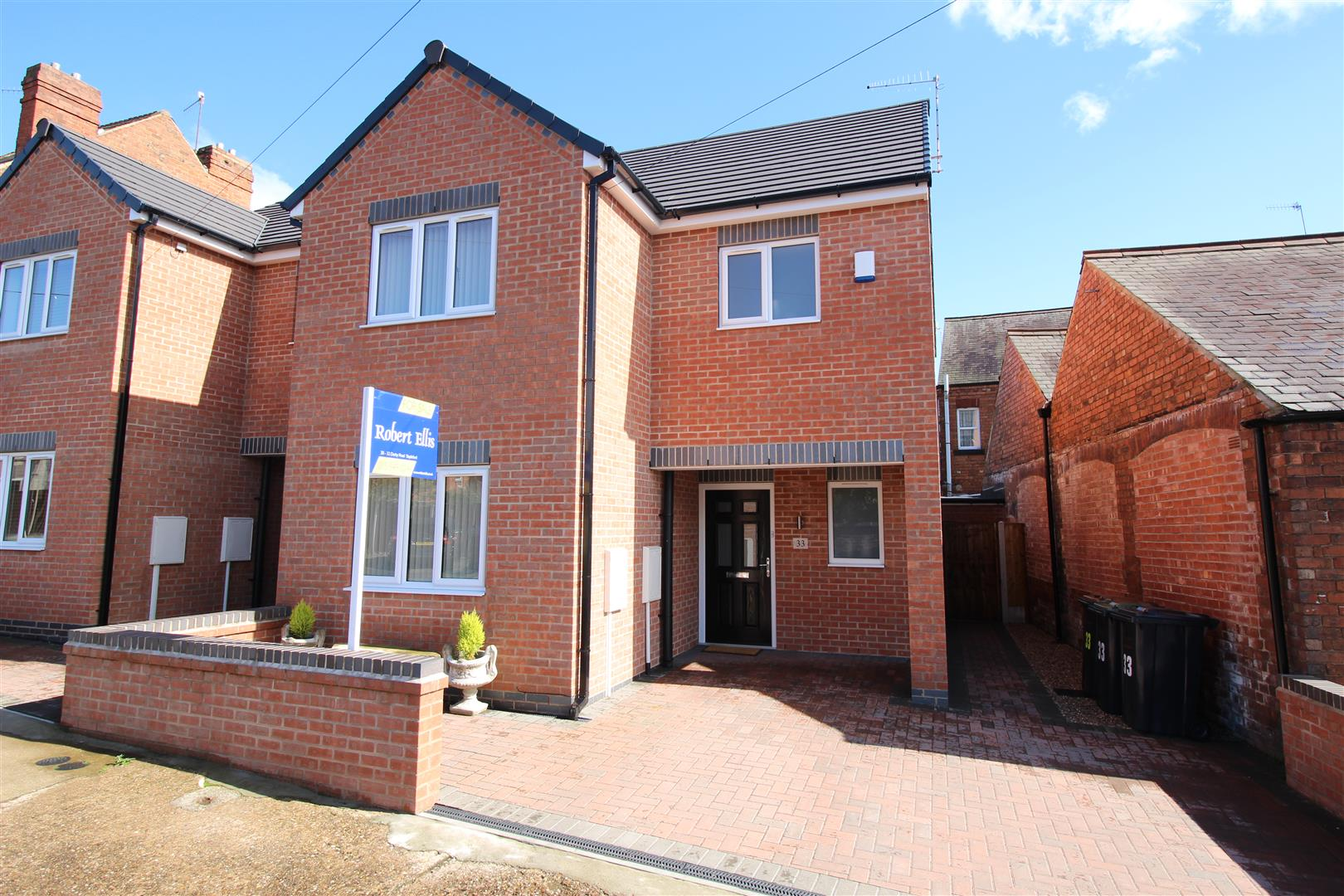 3 Bedrooms House for sale in Cyril Avenue, Stapleford